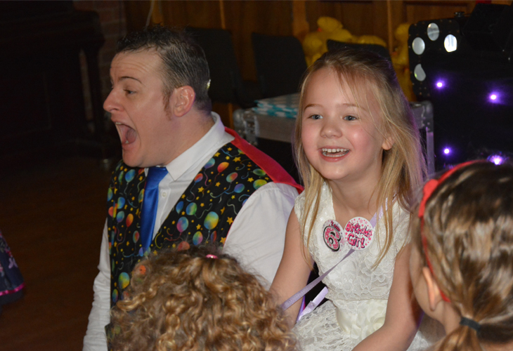 Ross Presto Portsmouth Children's Entertainer Birthday Party 2